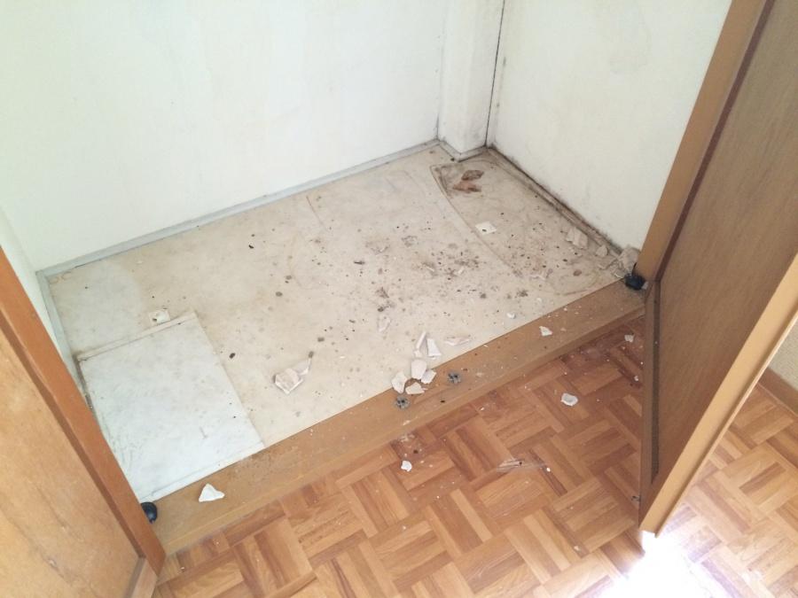 押入れ天井雨漏り