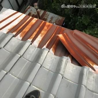施工前の庇屋根の調査