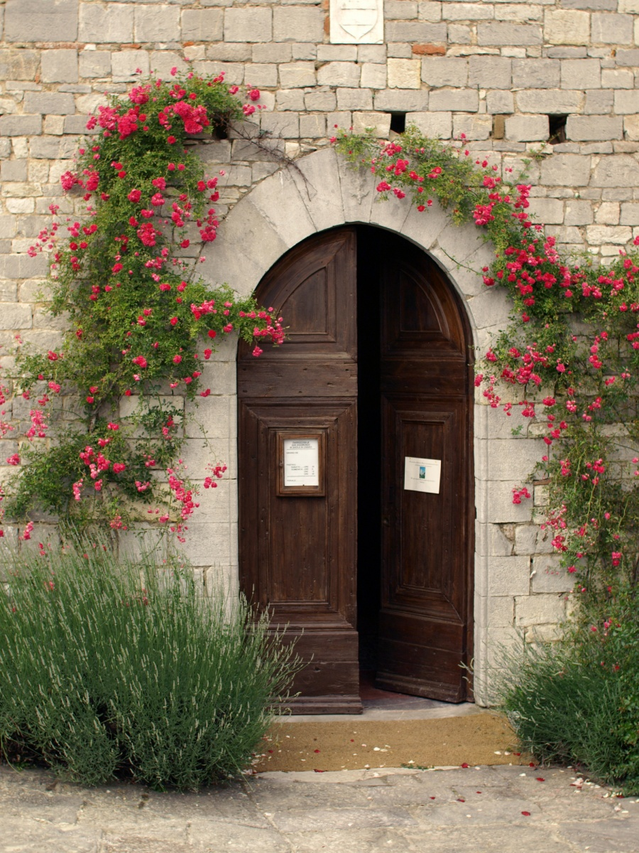 内開きの海外の玄関ドア